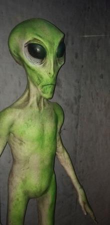 alien-straight-up
