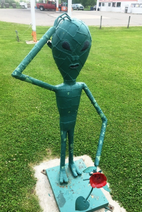 alien sculpture