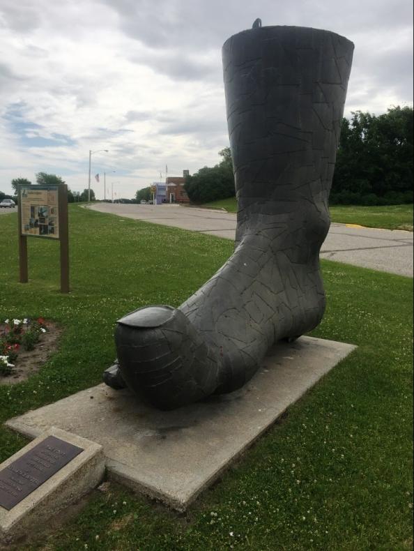 big foot sculpture