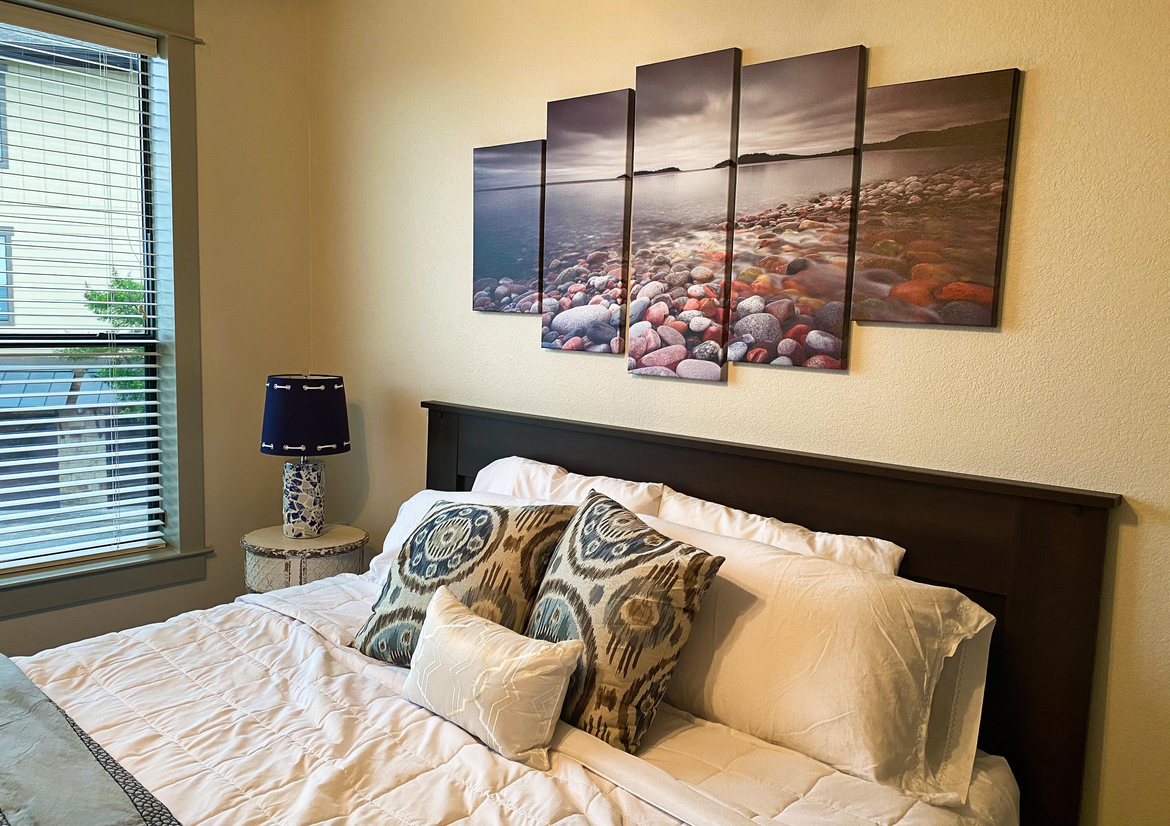 art-king bedroom